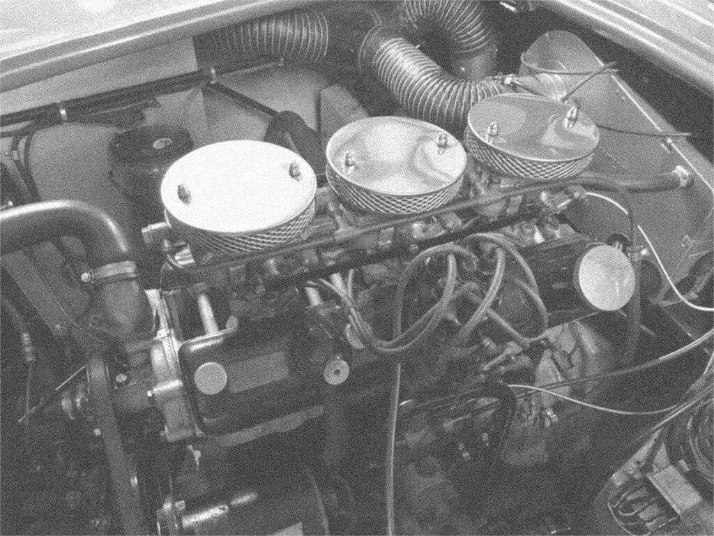 Bristol 100B Engine in AC Bluebird