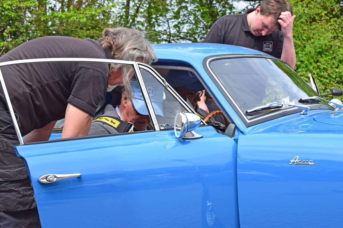 The AC Bluebird Mille Miglia Team Kevin and Duncan safety harness
