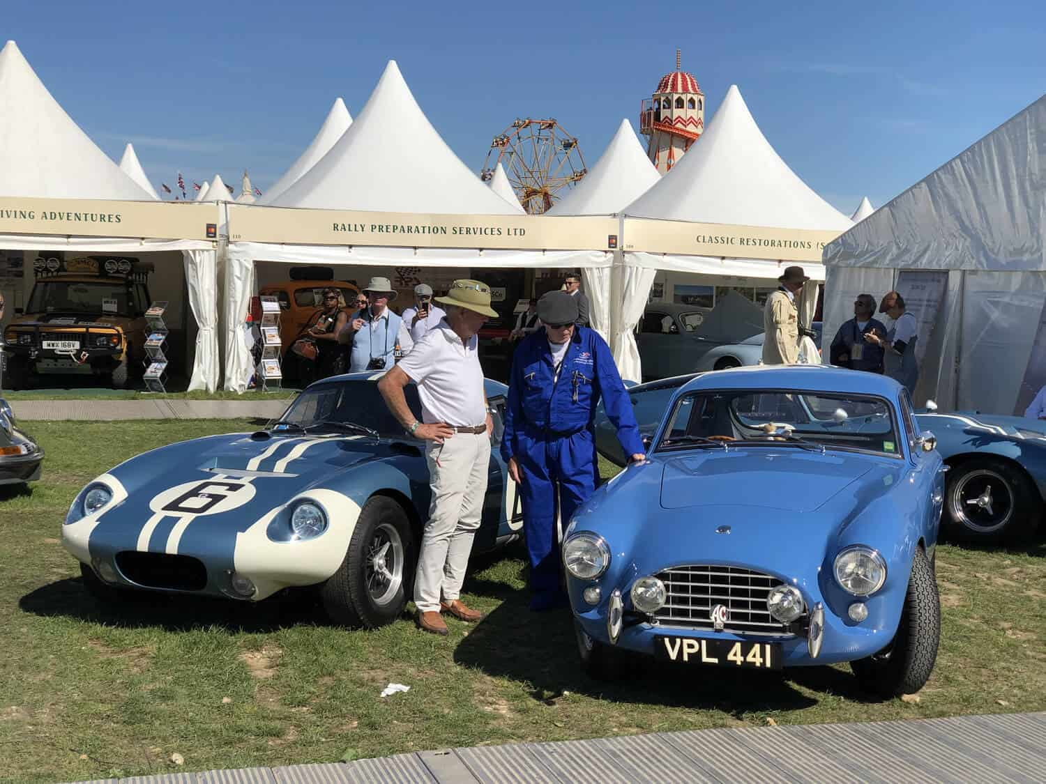 AC Bluebird at Goodwood Revival 2019 with Peter Brock and his Cobras